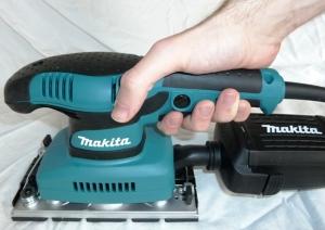 Makita BO3711J Schwingschleifer Test Handhabung